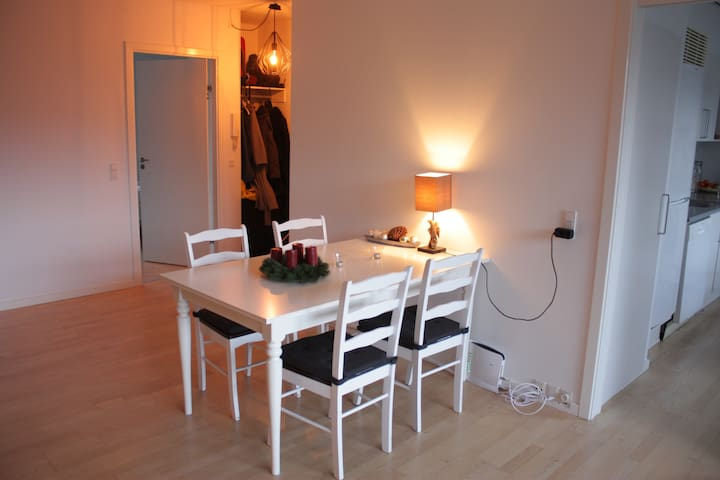 Dining space with expandable table