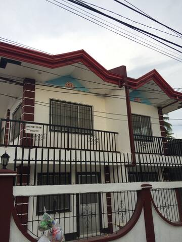 - 2 Bedroom Apt w/ Free Fruits on Arrival & Free Pick-Up! - Dumaguete - Apartamento