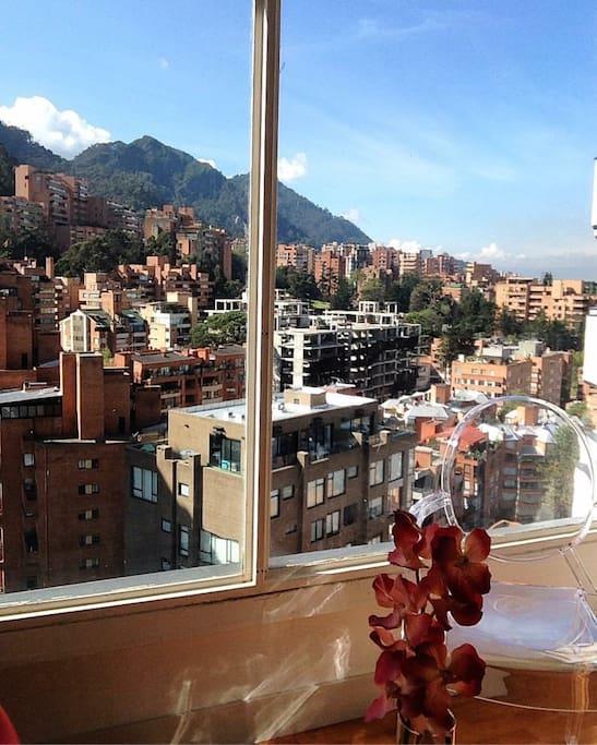 Vistas espectaculares a los cerros de Bogotá y parte de la cuidad !
