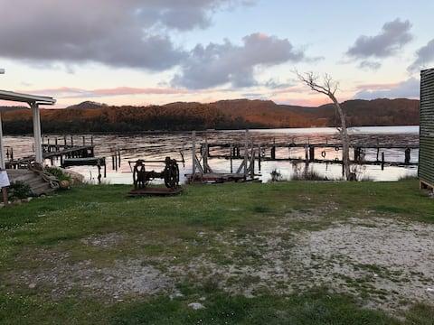 Moore View Cottage - a waterfront sanctuary