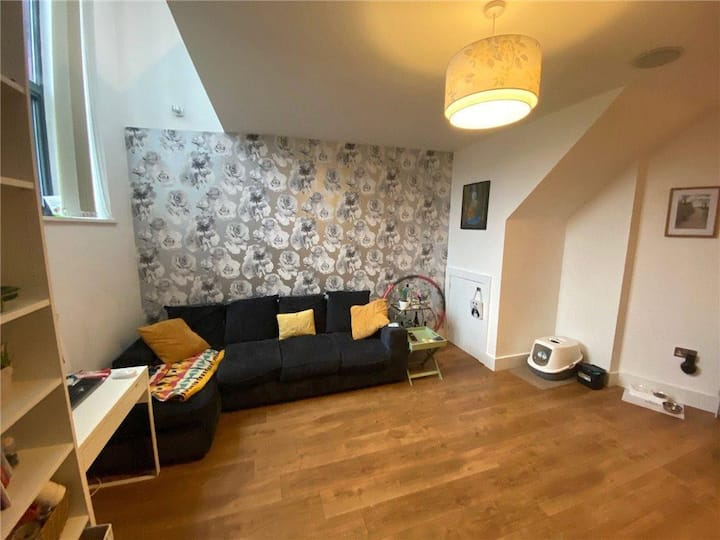 2 bed room apartment central in Warrington City