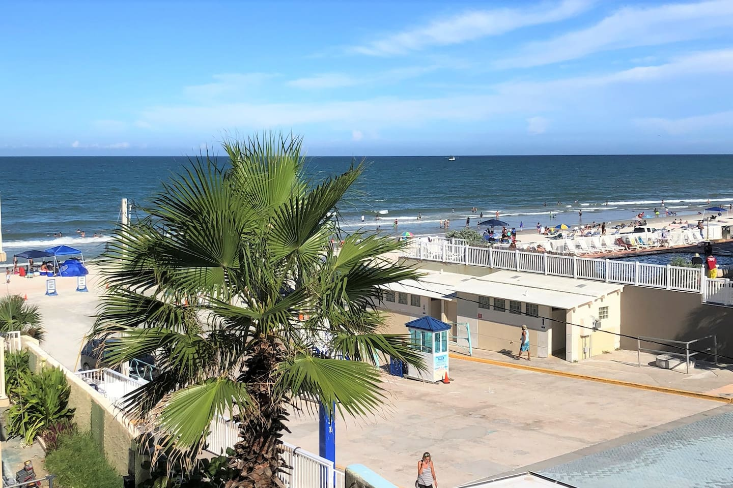 Ocean view studio! This is an actual photo from the balcony of the unit!