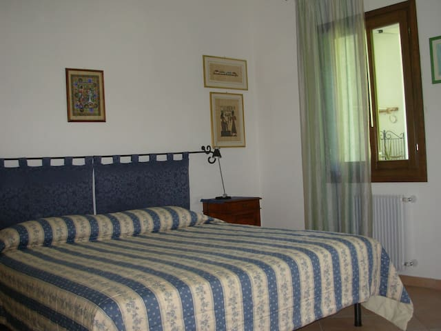 B&B La Casa in Collina - Camera Blu - Case Vespeda