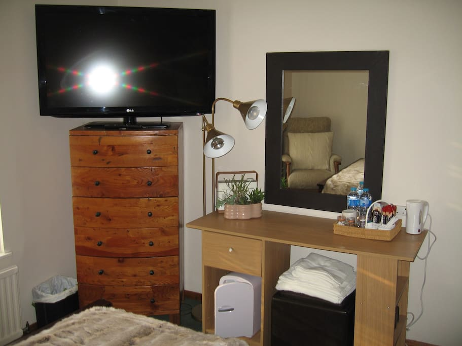 TV and Desk/Dressing Table incl Fridge and Tea Making facilities Area