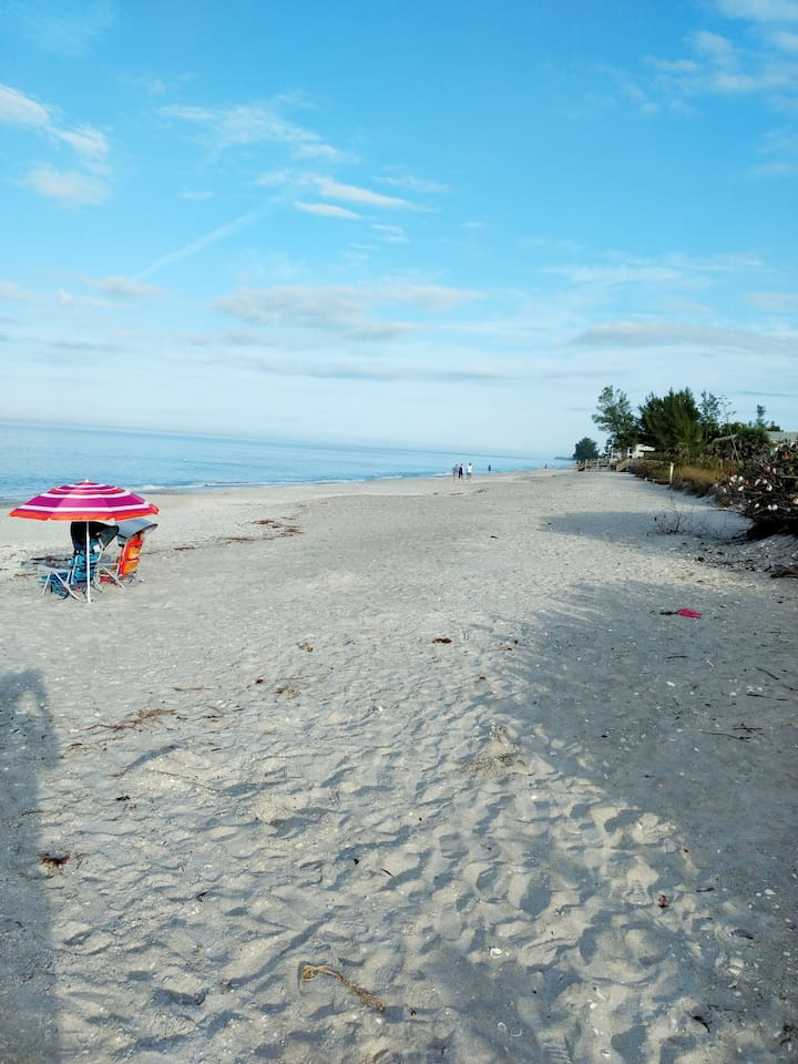 Come and relax and enjoy at Englewood Beach!