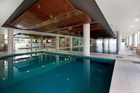 Comfort, Pool, Spa, Sauna, Shopping, Transport.
