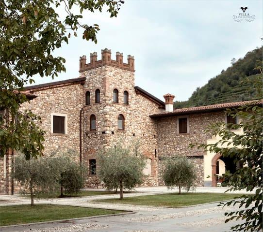 Appartamento in un Borgo Medioevale - Bozze-calchera-villa