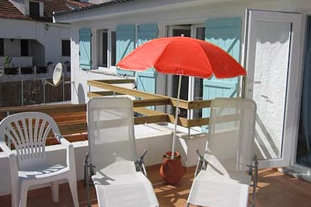 Native Surf house Balcony Double - Lourinhã - 旅舍