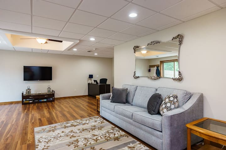 NEW Executive Apartment, traveling nurses welcome