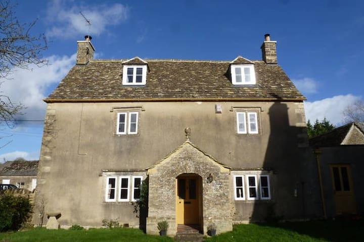 Private Farmhouse Annexe inc kitchen & bathroom - Alderton - Guest suite
