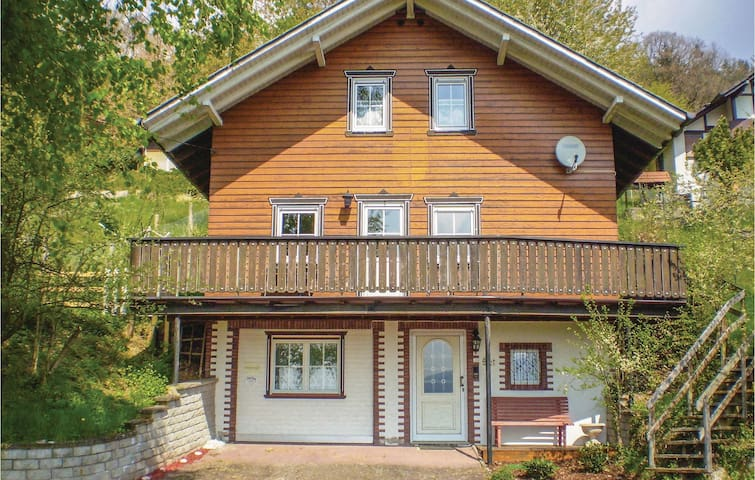 Holiday cottage with 3 bedrooms on 95 m² in Philippsthal