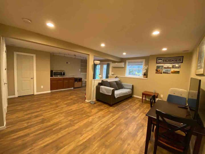 Clean & Bright Suite - Close to UCONN