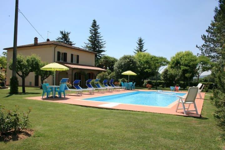 IL QUADRIFOGLIO - Lucignano - Villa