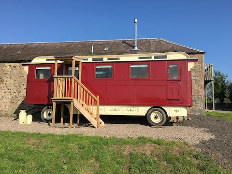 The Wagon at the Bonnington Farm