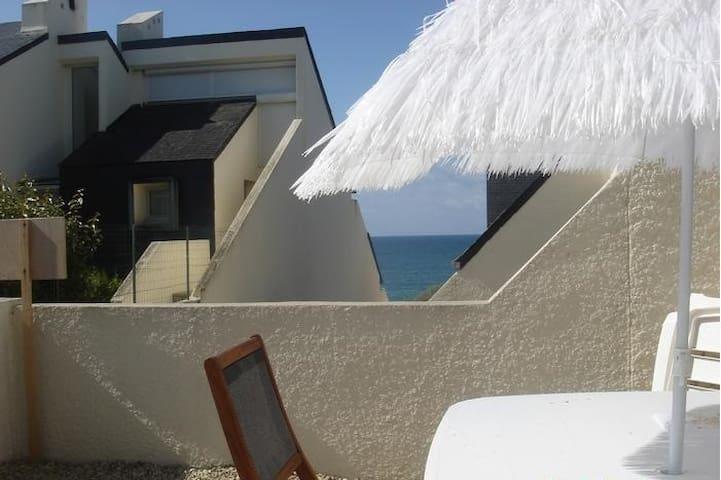 Petite maison à 50 mètres de la mer - Audierne - House