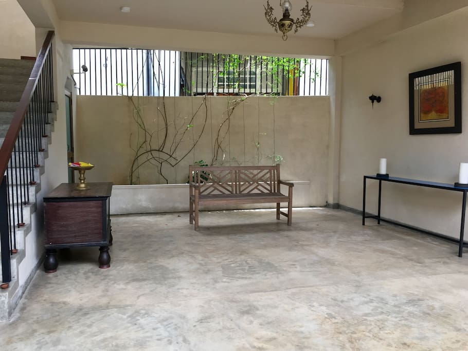 Sitting area by entrance