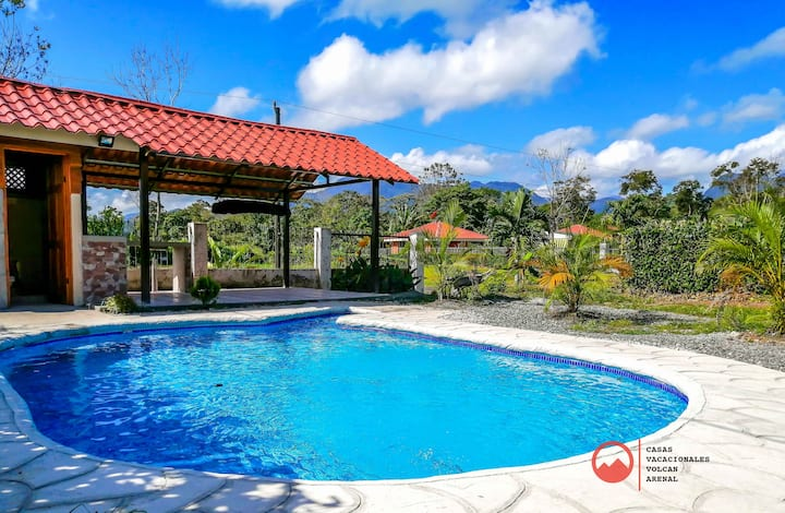 Sweet Home La Fortuna- private pool/Volcano view