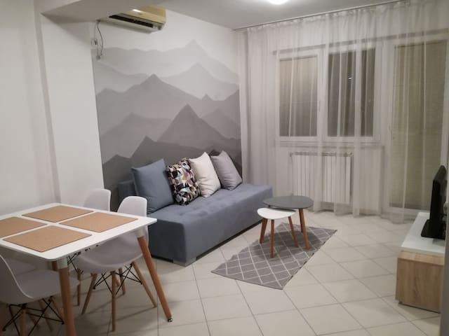 Cozy & Comfy Central Peak Apartment in Skopje - Skopje - Wohnung