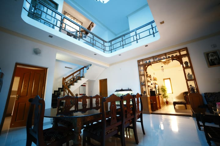 - COCHIN - COVE - A - HOMESTAY (with family)