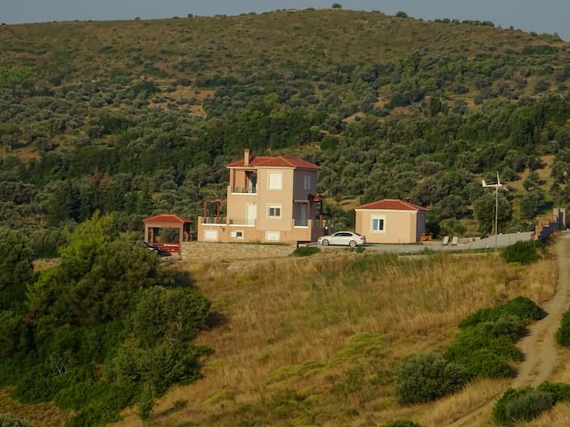 Melilofos Studio near Aegean beaches