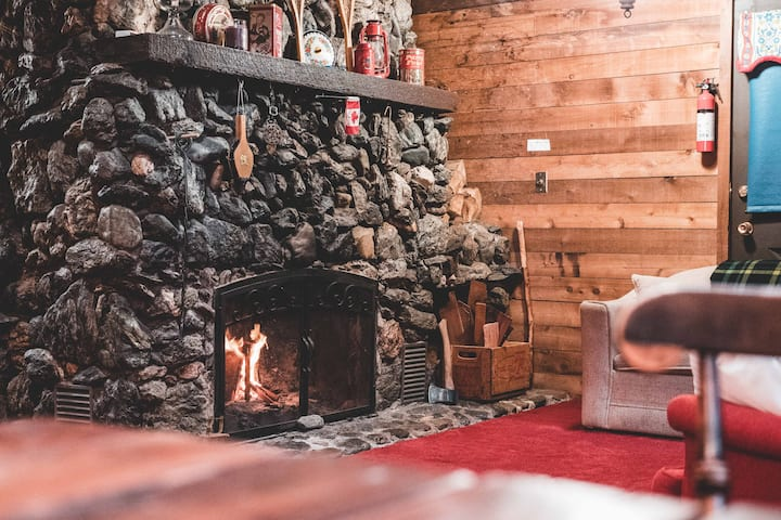 Cuckoo Chalet - Roomy Retreat w/ Stone Fireplace