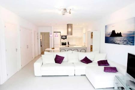 Beautiful,  peaceful apartment for rent in Ibiza