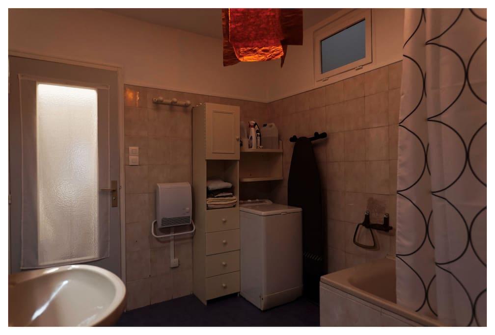 Salle de bain & lave-linge