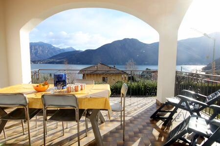 Mezzegra Pola Vecchia amazing views family comfort - Azzano