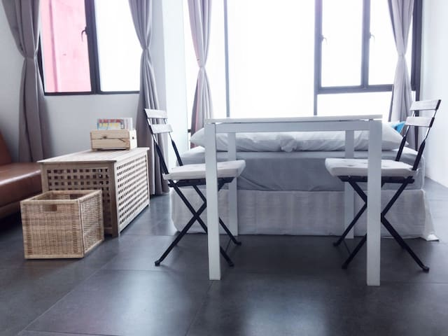 "HOT! Empire ""MUJI 無印"" Studio - Petaling Jaya - Apartment"