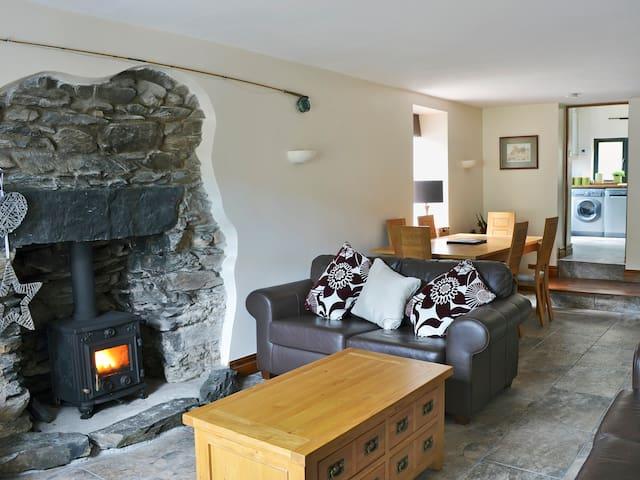 Woodside Cottage (UK1150)