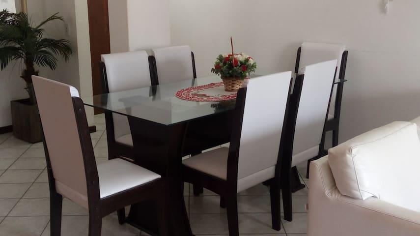 Apartamento confortável na praia de Bombas - Bombinhas - Apartamento