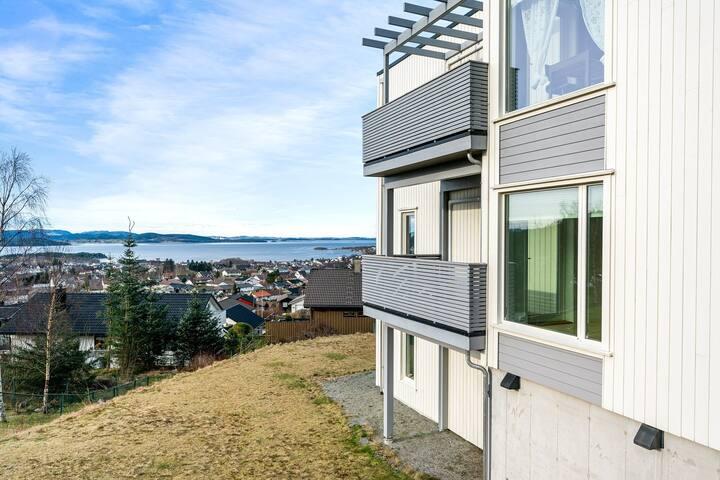 Apartment near the Pulpit rock, Jørpeland, Strand