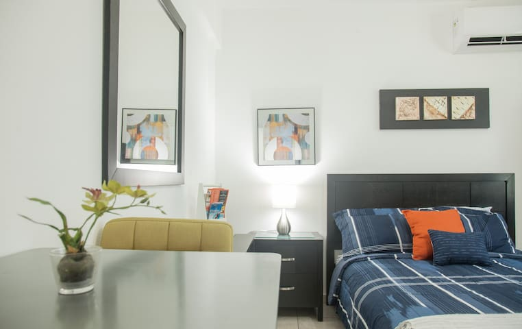 Affordable studio 15 minutes from the beach