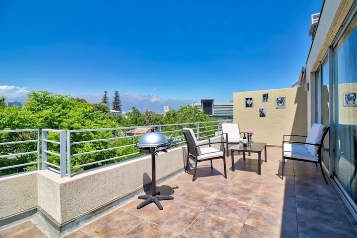 Huge private balcony, BBQ, Parking, AC & City view