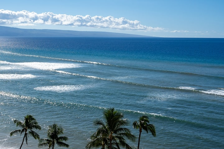 Royal Kahana - Direct oceanfront 1 BDR view condo
