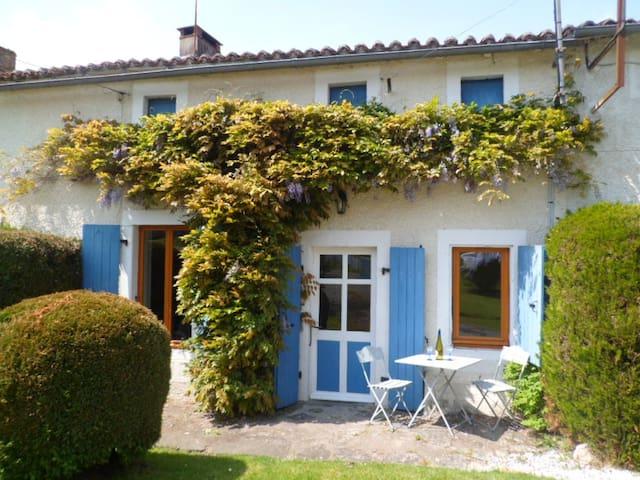 Les Gites de la Bodiniere - Moncoutant - Holiday home