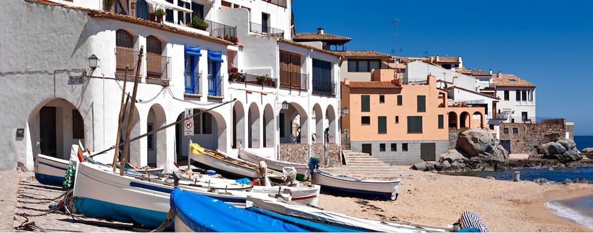 Calella de Palafrugell :  Platja de Port    Bo.