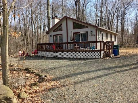 Pocono Getaway Cottage