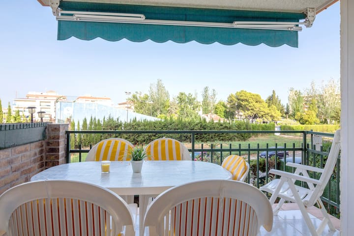Apartment only 150 meters from the beach - Calafell - Selveierleilighet