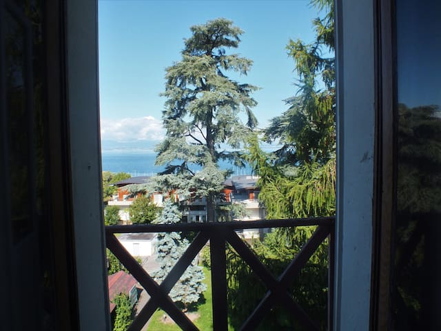 Chambre de Juliette, balcon sur le lac Léman