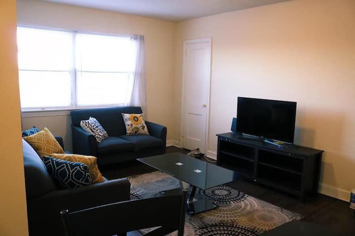 Spacious, Cozy, Affordable Apt near Downtown DC