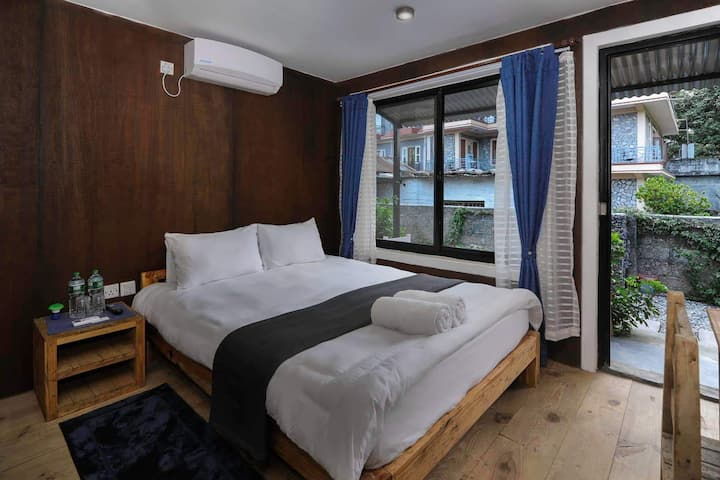 RanaCottage # V (B)- Queen X1 bed (Single bed) AC