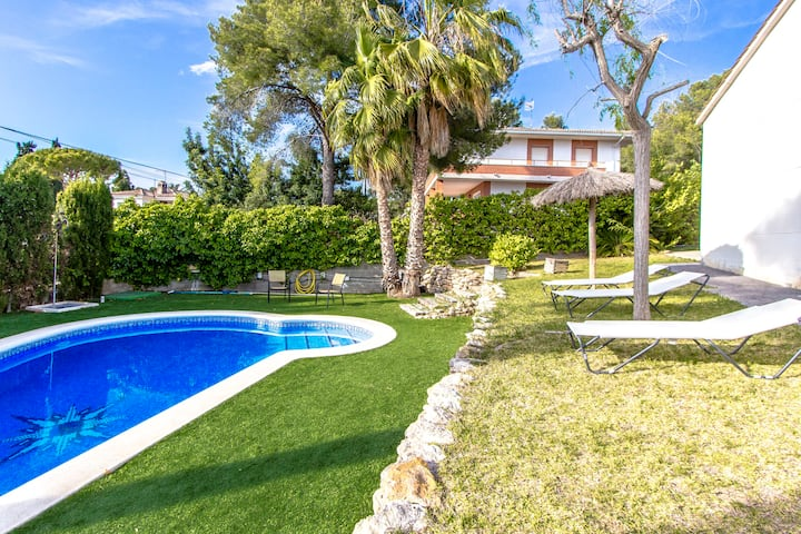 Catalunya Casas: Villa Cunit, only 5 minutes to the Mediterranean Sea!