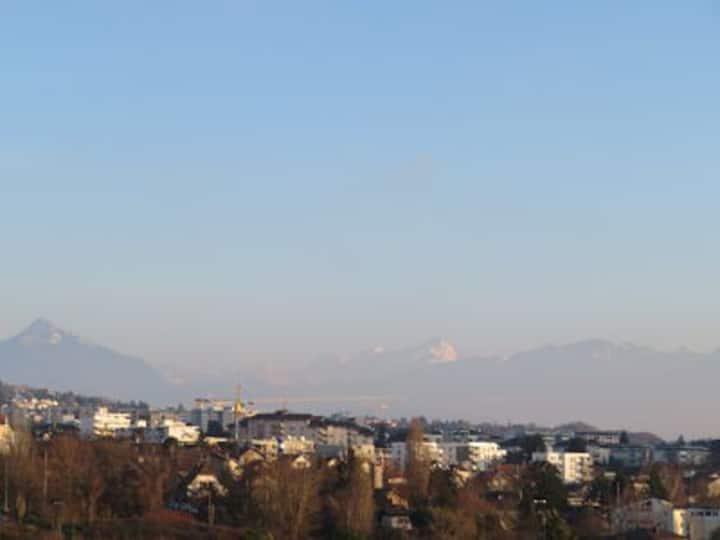 Appartement 50m2, lumineux, vue panoramique Alpes