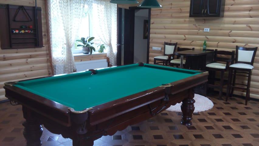 Уютный домик с современным евроремонтом - Rivne - Dom