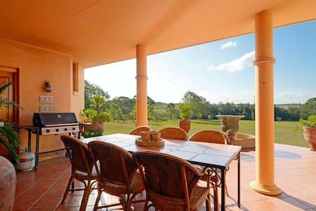 Casa Della Vigna - Unique Farmhouse - Belford