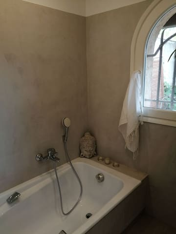 Chambre de charme salle de bain privative