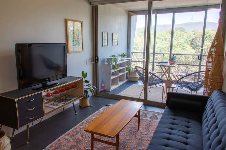 Beautiful & light-filled city apartment - NISHI