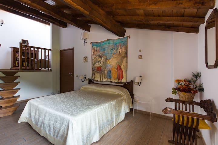 Casa Cecilia nella tranquillità del verde umbro - Scopoli - ทาวน์เฮาส์