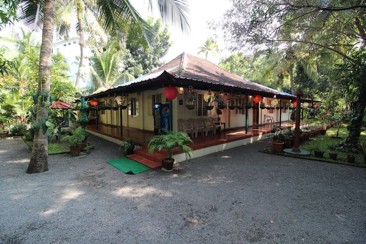 Palm Grove Villa Homestay - A home close to nature